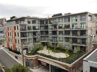 "Photo 14: 701 124 W 1ST Street in North Vancouver: Lower Lonsdale Condo for sale in ""THE ""Q"""" : MLS®# R2160332"