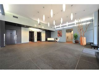 "Photo 3: 701 124 W 1ST Street in North Vancouver: Lower Lonsdale Condo for sale in ""THE ""Q"""" : MLS®# R2160332"