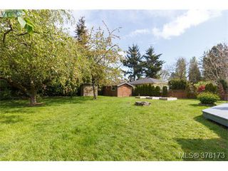 Photo 20: 580 OConnell Pl in VICTORIA: SW Glanford Single Family Detached for sale (Saanich West)  : MLS®# 759348