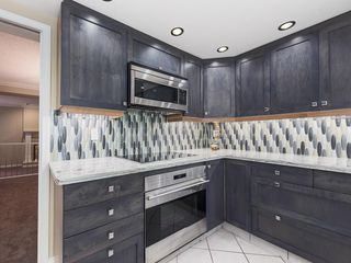 Photo 7: 51 1901 VARSITY ESTATES Drive NW in Calgary: Varsity House for sale : MLS®# C4121820