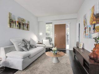 """Photo 4: 105 2020 W 12TH Avenue in Vancouver: Kitsilano Condo for sale in """"2020"""" (Vancouver West)  : MLS®# R2180018"""