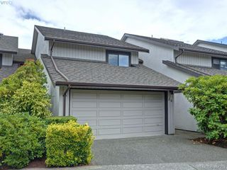 Main Photo: 26 10457 Resthaven Drive in SIDNEY: Si Sidney North-East Townhouse for sale (Sidney)  : MLS®# 381251