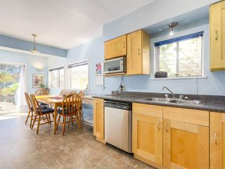 Photo 5: 2038 E 2ND Avenue in Vancouver: Grandview VE House for sale (Vancouver East)  : MLS®# R2193102