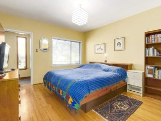 Photo 11: 2038 E 2ND Avenue in Vancouver: Grandview VE House for sale (Vancouver East)  : MLS®# R2193102