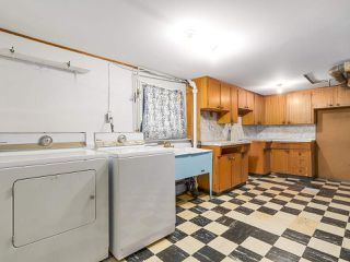 Photo 17: 2038 E 2ND Avenue in Vancouver: Grandview VE House for sale (Vancouver East)  : MLS®# R2193102