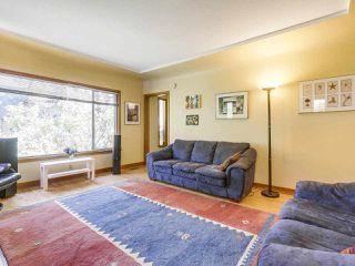 Photo 4: 2038 E 2ND Avenue in Vancouver: Grandview VE House for sale (Vancouver East)  : MLS®# R2193102