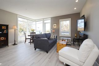 Photo 2: 301 300 Michigan Street in VICTORIA: Vi James Bay Condo Apartment for sale (Victoria)  : MLS®# 384016