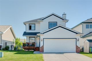 Photo 1: 223 WOODSIDE CR NW: Airdrie House for sale : MLS®# C4135812