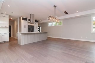 Photo 6: 946 Aral Rd in VICTORIA: Es Kinsmen Park House for sale (Esquimalt)  : MLS®# 775933