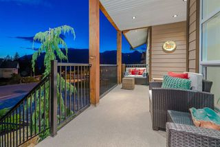 Photo 2: 927 THISTLE PLACE in Squamish: Britannia Beach House for sale : MLS®# R2214646