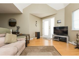 "Photo 6: 522 12101 80 Avenue in Surrey: Queen Mary Park Surrey Condo for sale in ""SURREY TOWN MANOR"" : MLS®# R2233224"