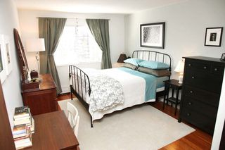 "Photo 4: 212 131 W 4TH Street in North Vancouver: Lower Lonsdale Condo for sale in ""Nottingham Place"" : MLS®# R2239655"