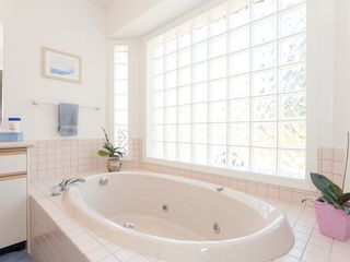 Photo 35: 981 Royal Dornoch Drive in Eaglecrest: House for sale