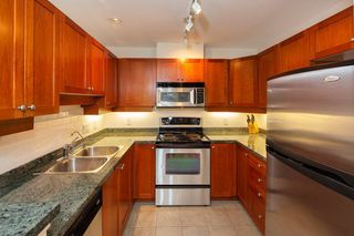 "Photo 11: 305 675 PARK Crescent in New Westminster: GlenBrooke North Condo for sale in ""WINCHESTER"" : MLS®# R2274129"