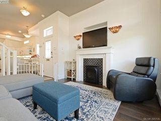 Photo 2: 2 923 McClure St in VICTORIA: Vi Fairfield West Row/Townhouse for sale (Victoria)  : MLS®# 792092