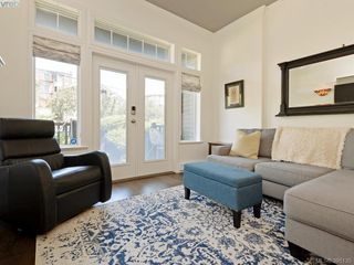 Photo 3: 2 923 McClure Street in VICTORIA: Vi Fairfield West Townhouse for sale (Victoria)  : MLS®# 395135