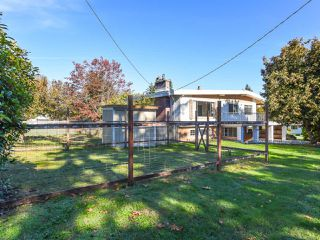 Photo 2: 1648 Dogwood Ave in COMOX: CV Comox (Town of) House for sale (Comox Valley)  : MLS®# 799272