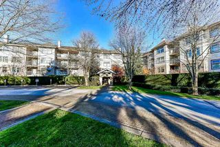 "Photo 1: 211 15210 GUILDFORD Drive in Surrey: Guildford Condo for sale in ""Boulevard Club"" (North Surrey)  : MLS®# R2321134"