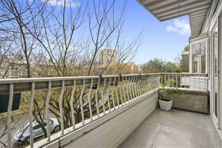 """Photo 15: 304 1790 W 11TH Avenue in Vancouver: Fairview VW Condo for sale in """"LANDMARK REGENCY"""" (Vancouver West)  : MLS®# R2348156"""