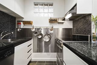 """Photo 8: 304 1790 W 11TH Avenue in Vancouver: Fairview VW Condo for sale in """"LANDMARK REGENCY"""" (Vancouver West)  : MLS®# R2348156"""