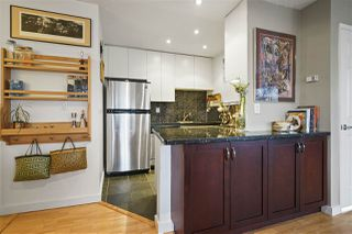 """Photo 7: 304 1790 W 11TH Avenue in Vancouver: Fairview VW Condo for sale in """"LANDMARK REGENCY"""" (Vancouver West)  : MLS®# R2348156"""