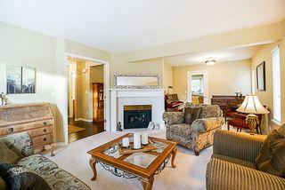 "Photo 3: 15397 80 Avenue in Surrey: Fleetwood Tynehead House for sale in ""FAIRWAY PARK"" : MLS®# R2349827"