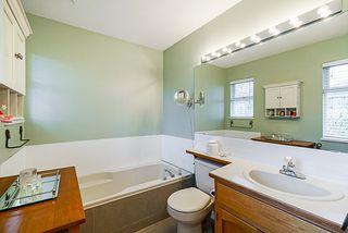 "Photo 13: 15397 80 Avenue in Surrey: Fleetwood Tynehead House for sale in ""FAIRWAY PARK"" : MLS®# R2349827"