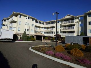 "Photo 1: 305 8725 ELM Drive in Chilliwack: Chilliwack E Young-Yale Condo for sale in ""ELMWOOD TERRACE"" : MLS®# R2350038"