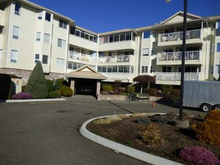 "Photo 2: 305 8725 ELM Drive in Chilliwack: Chilliwack E Young-Yale Condo for sale in ""ELMWOOD TERRACE"" : MLS®# R2350038"