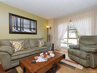 Photo 4: 206 510 Marsett Pl in VICTORIA: SW Royal Oak Row/Townhouse for sale (Saanich West)  : MLS®# 809516