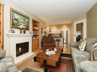 Photo 3: 206 510 Marsett Place in VICTORIA: SW Royal Oak Row/Townhouse for sale (Saanich West)  : MLS®# 407360