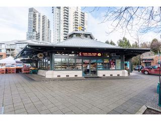 "Photo 2: 320 225 NEWPORT Drive in Port Moody: North Shore Pt Moody Condo for sale in ""CALEDONIA"" : MLS®# R2355037"