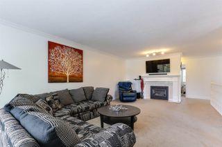Photo 4: 20286 STANTON Avenue in Maple Ridge: Southwest Maple Ridge House for sale : MLS®# R2381763