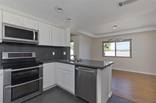 Photo 5: UNIVERSITY CITY Townhome for sale : 2 bedrooms : 8025 Via San Saba in San Diego