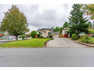 Photo 3: 6186 130 Street in Surrey: Panorama Ridge House for sale : MLS®# R2508593