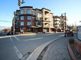 Main Photo: 207 775 MCGILL ROAD in Kamloops: Sahali Apartment Unit for sale : MLS®# 159508