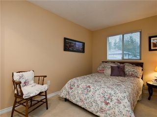 "Photo 8: 3944 INDIAN RIVER Drive in North Vancouver: Indian River Townhouse for sale in ""HIGHGATE TERRACE"" : MLS®# V875032"