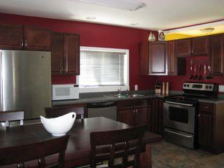 Photo 4: 301 INGLEWOOD Street in WINNIPEG: St James Residential for sale (West Winnipeg)  : MLS®# 1107273