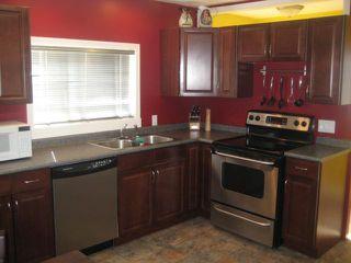Photo 5: 301 INGLEWOOD Street in WINNIPEG: St James Residential for sale (West Winnipeg)  : MLS®# 1107273