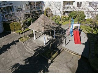 "Photo 12: 313 10186 155TH Street in Surrey: Guildford Condo for sale in ""SOMMERSET"" (North Surrey)  : MLS®# F1405348"
