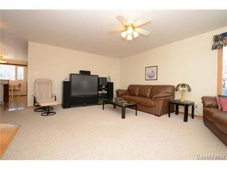 Photo 5: 22 MCKELL Bay in Regina: Uplands Single Family Dwelling for sale (Regina Area 01)  : MLS®# 501273
