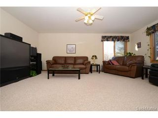 Photo 6: 22 MCKELL Bay in Regina: Uplands Single Family Dwelling for sale (Regina Area 01)  : MLS®# 501273