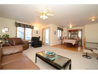 Photo 9: 22 MCKELL Bay in Regina: Uplands Single Family Dwelling for sale (Regina Area 01)  : MLS®# 501273