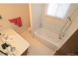 Photo 32: 22 MCKELL Bay in Regina: Uplands Single Family Dwelling for sale (Regina Area 01)  : MLS®# 501273