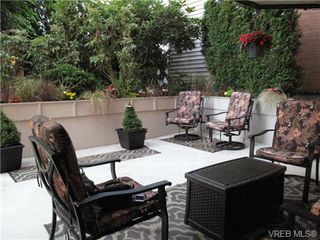 Photo 14: 111 1560 Hillside Ave in VICTORIA: Vi Oaklands Condo Apartment for sale (Victoria)  : MLS®# 682375