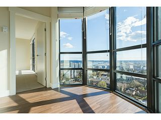 "Photo 1: 1601 258 SIXTH Street in New Westminster: Uptown NW Condo for sale in ""258 CONDOS"" : MLS®# V1099073"