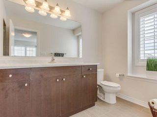 Photo 8: 28 Vanhorne Close in Brampton: Northwest Brampton House (3-Storey) for sale : MLS®# W3281495