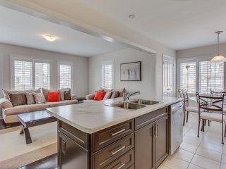 Photo 5: 28 Vanhorne Close in Brampton: Northwest Brampton House (3-Storey) for sale : MLS®# W3281495