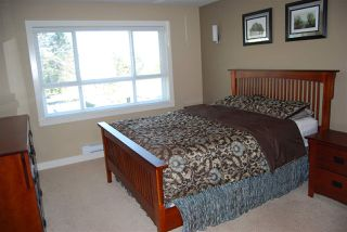"Photo 7: 7 7298 199A Street in Langley: Willoughby Heights Townhouse for sale in ""York"" : MLS®# R2050112"