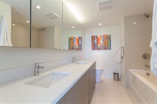 "Photo 10: 1805 1009 HARWOOD Street in Vancouver: West End VW Condo for sale in ""MODERN"" (Vancouver West)  : MLS®# R2086833"